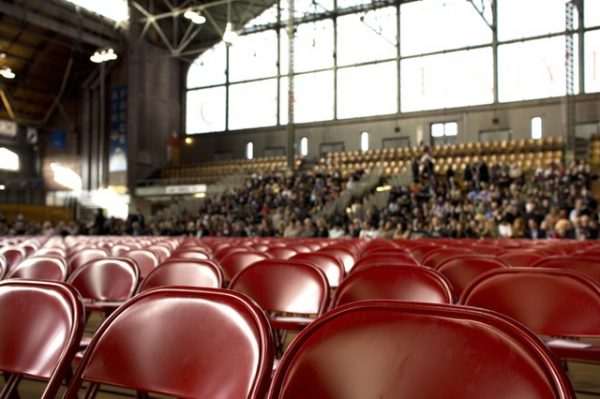 Differences Between A Keynote and Motivational Speaker
